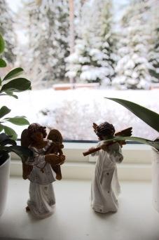 Julepynt i vinduet