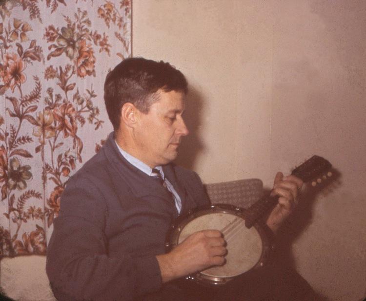 Far, Banjo i Kirkegt 2