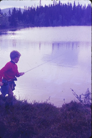 Erik fisker i Obleiken, vestfjellet